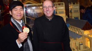 Chang Soo Lee was awarded a commemorative medal in Lego