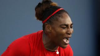 Serena Williams grita de frustración