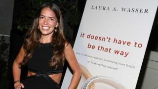 """Laura Wasser, durante el lanzamiento de su libro """"No tiene que ser de esa manera"""", en 2013."""