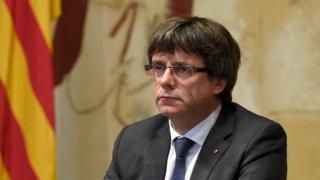 کارلس پوجدمان، رهبر کاتالونیا در پایان همه پرسی روز یکشنبه اعلام کرد که این منطقه حق استقلال را کسب کرده است