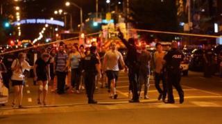 22일(현지시간) 밤 캐나다 토론토 시내에서 총격으로 사상자가 발생했다