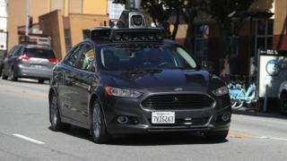 سيارة أوبر ذاتية القيادة