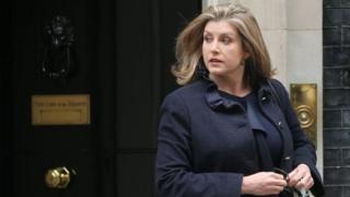 پنی موردانت اولین زن وزیر دفاع در بریتانیا است. او گفته کشورش در تحولات اخیر در منطقه خلیج فارس در کنار متحدانش از جمله آمریکا می ایستد