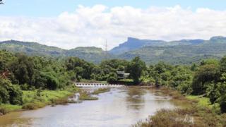 अंबा नदी आज अशी दिसते