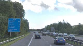 M4 eastbound near junction 49