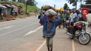مردم در حال فرار از منازل خود در جمهوری دمکراتیک کنگو