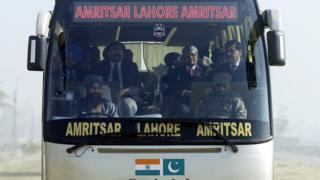 لاہور امرتسر بس سروس