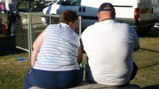 السمنة لدى النساء مرتبطة بالإصابة بمرض السرطان