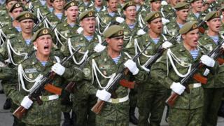 Tacik çağırışçılar orduda iki il xidmət edirlər