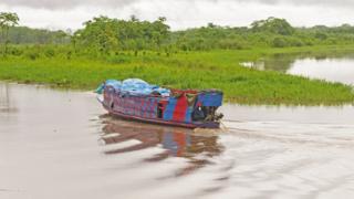 Bote en el Amazonas