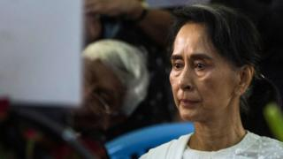 Myanmar's State Counselor Aung San Suu Kyi attends the funeral service for the National League for Democracy (NLD) party's former chairman Aung Shwe in Yangon on 17 August 2017.
