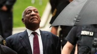 Bill Cosby entering courthouse