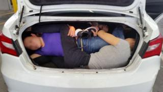 Four Chinese migrants crammed into the boot of Mr Aguilar's car (14/03/2017)