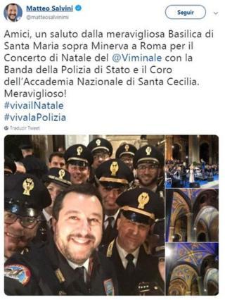 Postagem de Salvini no Twitter em que aparece tirando foto com policiais
