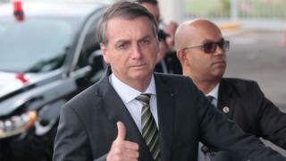 Acusação sem provas contra DiCaprio gera críticas e piadas contra Bolsonaro
