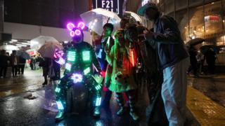 Токийцы празднуют