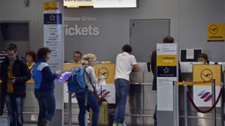 Lufthansa queue
