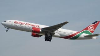 Birakekwa ko uyu mugabo yahanutse mu ndege ya Kenya Airways yariho yururuka ku cyumweru i London