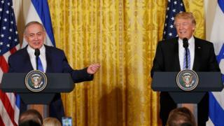 Benjamin Netanyahu y Donald Trump en conferencia de prensa en Washington DC.