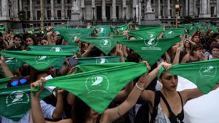 جنبش دستمال سبز در آرژانتین یکی از حامیان اصلی آزادی سقط جنین در آرژانتین است