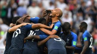 프랑스는 1998년 이후 20년 만에 월드컵 우승컵을 차지하게 되었다