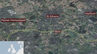 Map showing the M25 to the south of Hemel Hempstead, St Albans and Hatfield.