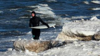 Surfer, 17 Feb 19