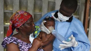 C'est en Afrique que la pneumonie tue le plus d'enfants.