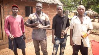 Grupo de Vigilantes en Obo.