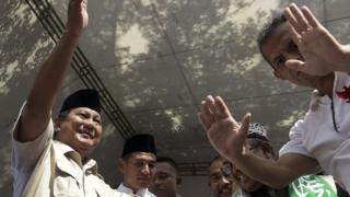 """Prabowo Subianto menyebut lembaga survei yang mengeluarkan quick count """"tukang bohong""""."""
