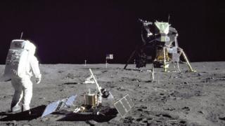 Болдрін на місяці