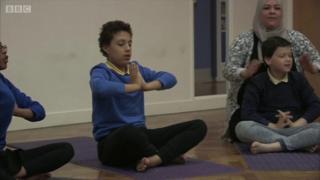 માનસિક દિવ્યાંગ વિદ્યાર્થીઓ માટે યુકેમાં યોગ ક્લાસ