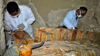 La tombe découverte date de 3500 ans