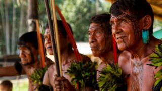 Indígenas yanomami.