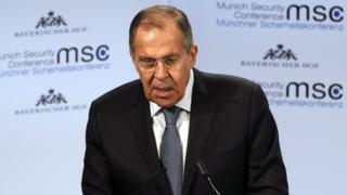 """俄罗斯外长拉夫罗夫称,美国司法部特别检察官指控13名俄罗斯公民涉嫌干涉美国大选是""""废话连篇"""""""