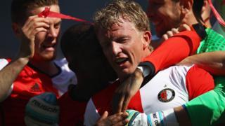 Dirk Kuyt Feyenoord'la şampiyon olup futbolu bıraktı