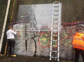 Hull window cleaner saves defaced Banksy mural | Planet Genius