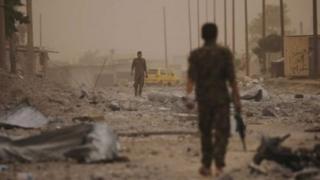 Сириялык көтөрүлүшчүлөр Ракканын бекем чыңдалган бөлүгүнө кирди