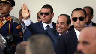 M. Sissi dirige l'Egypte d'une main de fer après avoir été élu suite à la destitution du président islamiste Mohamed Morsi en 2013.