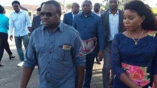 L'opposant Joseph Mbilinyi (au premier plan sur la photo)