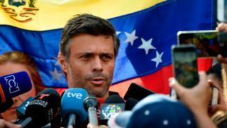 Leopoldo López en la embajada de España en Caracas.