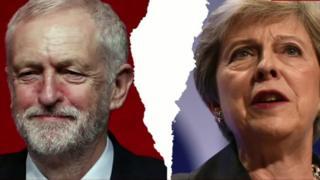 سه عضو حزب محافظهکار بریتانیا در اعتراض به سیاست نخستوزیر کنارهگیری کردند