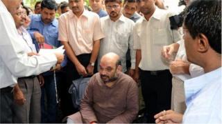 2010లో అమిత్ షాను అరెస్టు చేస్తున్న సీబీఐ అధికారులు