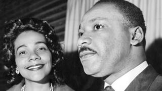 Martin Luther King Jr. et sa femme Coretta Scott, à la réception du Prix Nobel de la Paix à Stockholm en 1964.