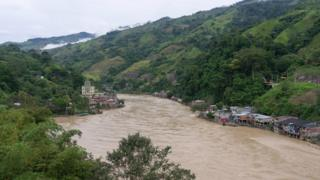 A view of communities along the river Cauca in Colombia