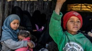 Anak-anak yang direkrut kelompok bersenjata terutama sebagai korban yang seharusnya direhabilitasi dan diintegrasikan kembali ke masyarakat.