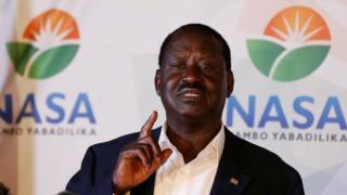 Odinga yagiye muri sentare kwiyamiriza intsinzi ya Kenyatta