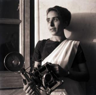 Ms Vyarawalla iyo kaamiradeeda