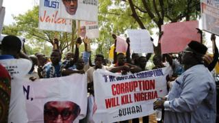 Des manifestants contre la corruption dans les rues d'Abuja