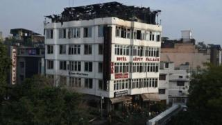 दिल्लीको होटलमा आगजनी